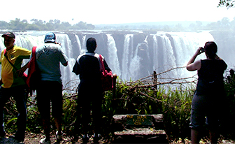 The-Kingdom-Hotel-Easy-walk-to-the-Victoria-Falls.jpg (82 KB)